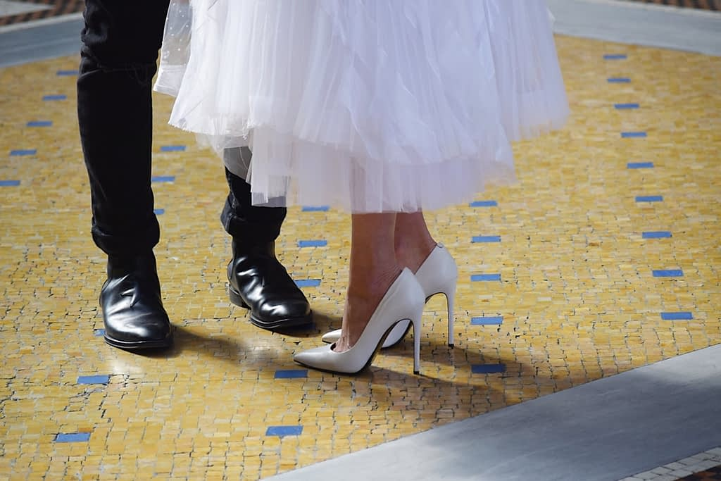 heels - wedding hacks