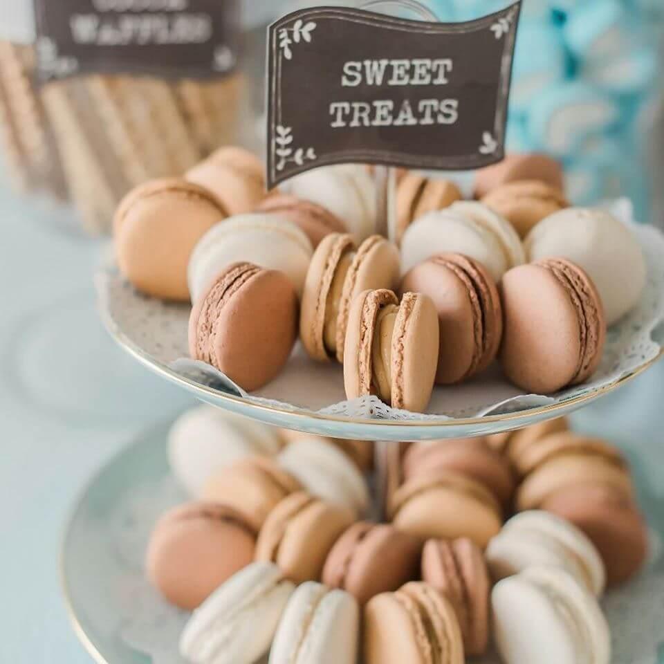 the lair weddings candy bar
