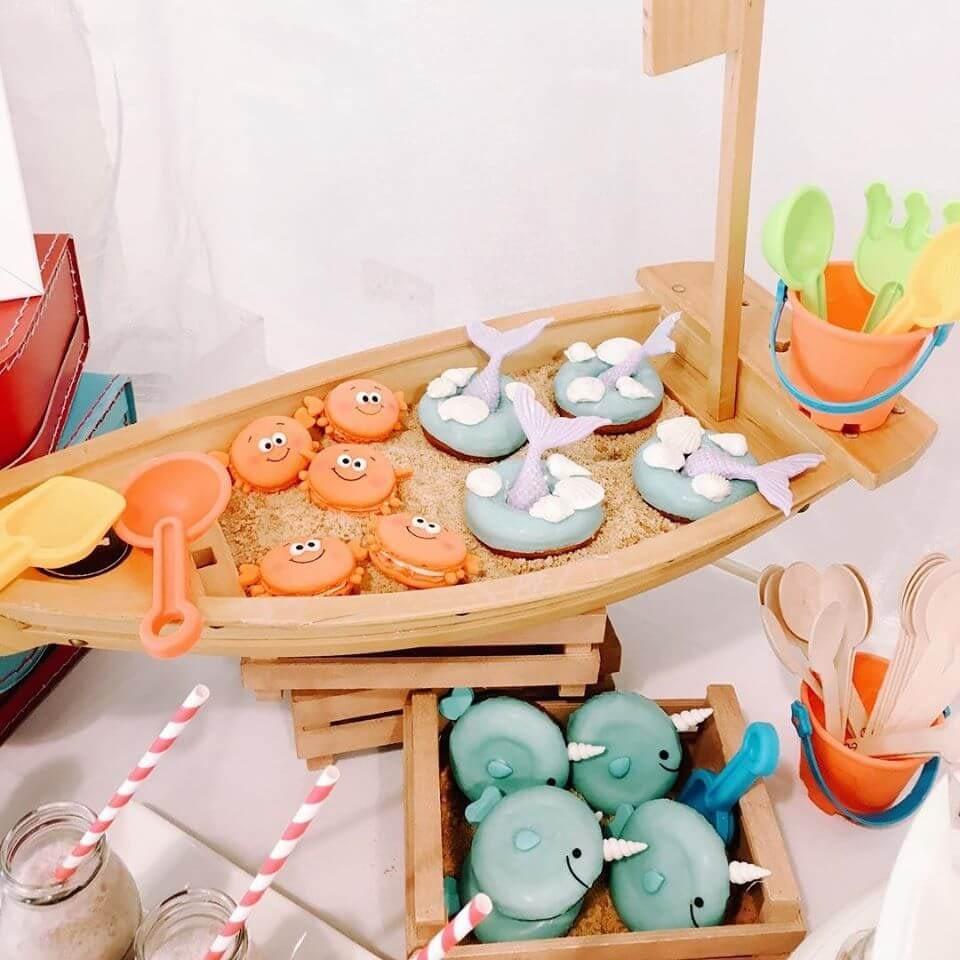 milk & honey events dessert table