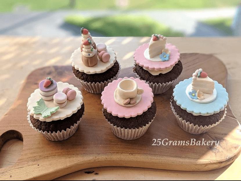 25grams dessert table